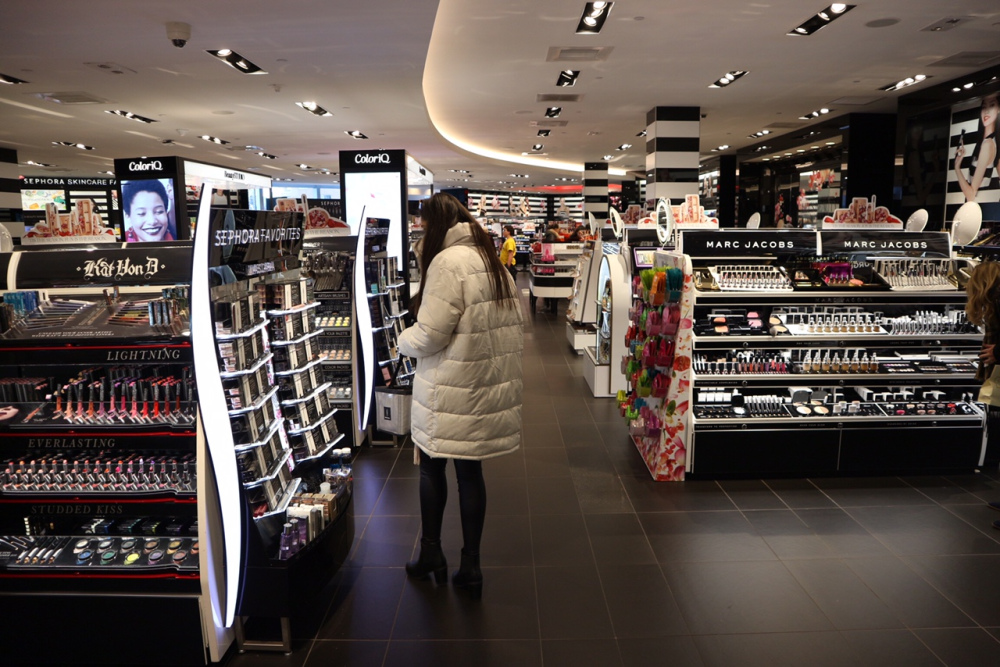 Step by step instructions to Find Makeup Outlet Stores